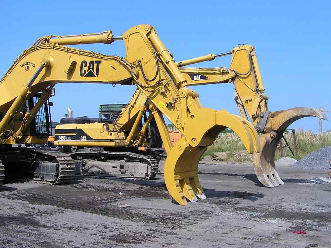 maquinaria Caterpillar375-01