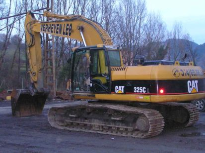 Caterpillar325C-01
