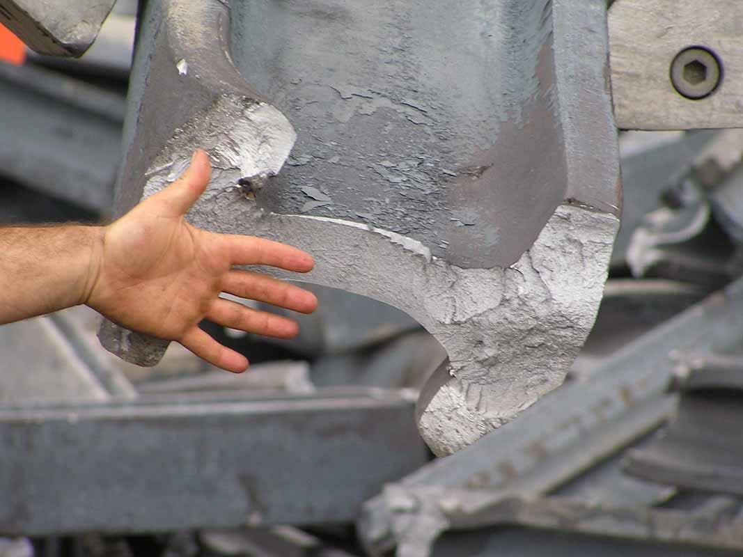 corte de materiales férricos y achatarramiento